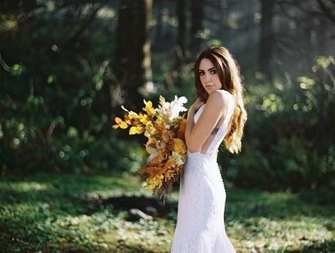 7_f117-nadia-side flowers