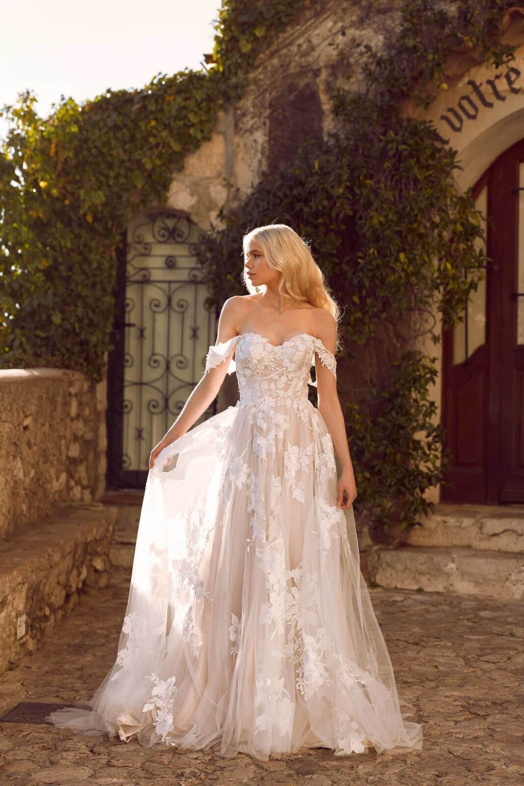 ELORA-ML8518-LACE-AND-TULLE-GOWN-WITH-FITTED-BODICE-AND-FLOATY-TULLE-SKIRT-WITH-DETACHABLE-OFF-SHOULDER-STRAPS-WEDDING-DRESS-MADI-LANE-BRI