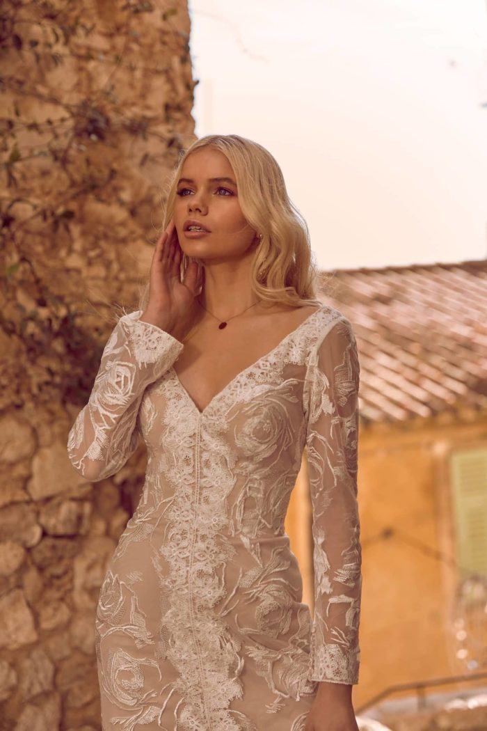 HARLEN-ML9919-_-ML9919NS-no-split-FULL-LACE-FITTED-GOWN-WITH-V-NECKLINE-LONG-LACE-SLEEVES-WITH-OR-WITHOUT-CENTER-FRONT-SPLIT-WEDDING-D7TXD71FU