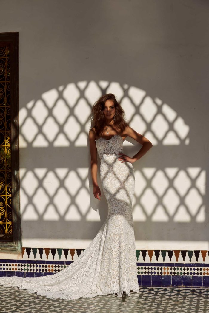 ANDIE-ML17655-FULL-LACE-FITTED-GOWN-WITH-SWEETHEART-NECKLINE-AND-DETACHABLE-OFF-SHOULDER-STRAPS-WEDDING-DRESS-MADI-LANE-BRIDAL5